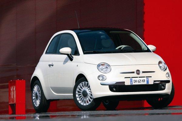 Семейство Fiat 500 через год пополнится кроссовером 75